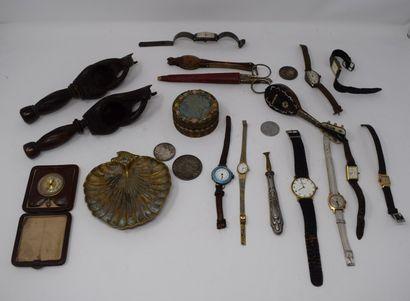 Manette  Lot divers de montres, boîtes, casse...
