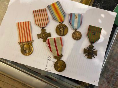 Lot de six médailles militaires