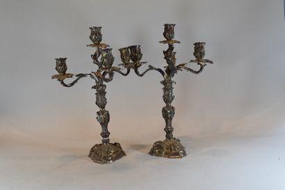 Paire de chandeliers Louis XV de style rocaille...