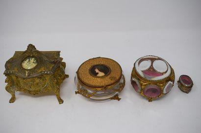Quatre boîtes à bijoux fin XIXe et début...