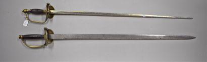 Lot de deux épées dont une du Royaume de...
