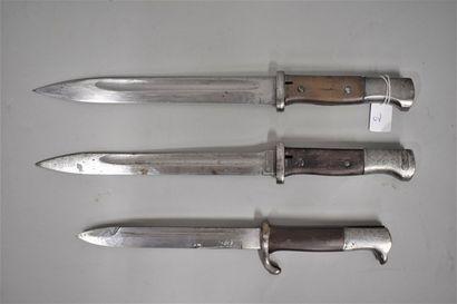 Lot de trois baïonnettes Mauser 98k dont...