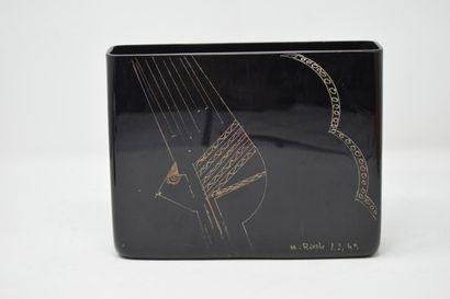 RIECKE A. (XXe siècle)  Vase rectangulaire...