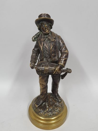 CHAUVIN (XIXème)  Le joueur de vielle  Bronze...