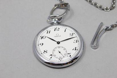 OMEGA  Montre de gousset en métal, cadran à fond blanc et chiffres arabes pour les...