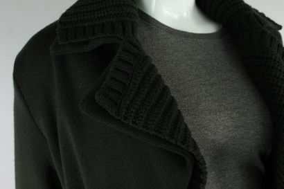 SALVATORE FERRAGAMO    Gros cardigan en laine vierge en grosse et fine maille vert...