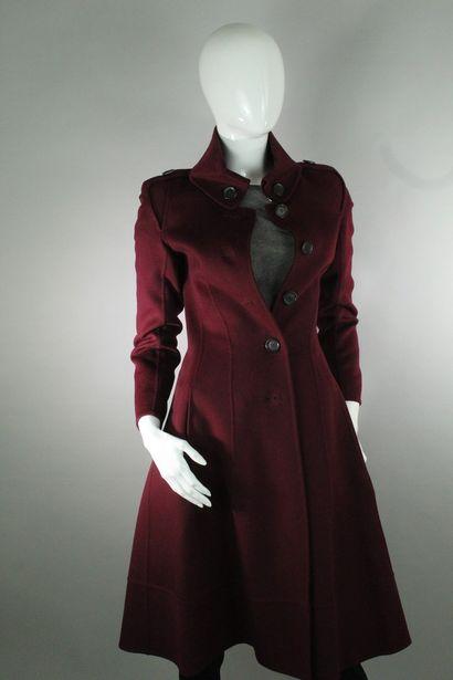 CELINE    Manteau long bordeaux en laine...