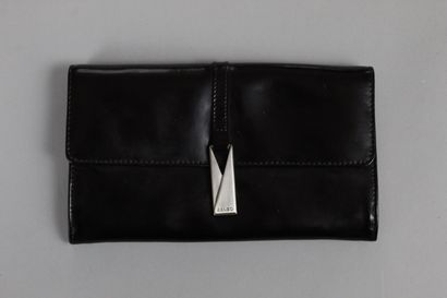 """KENZO  Pagodon"""" clutch bag in burgundy box, central pocket with zip closure, double..."""