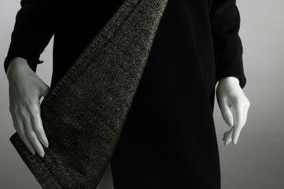 CHANEL    Collection Prêt-à-porter Automne/Hiver 2012, Passage n°12, (modèle Jacquelyn...