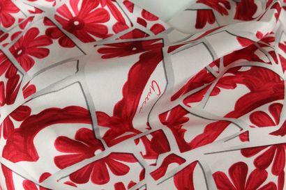 GUCCI (par Frida Giannini)    Top sans manche en soie maille et satin à motif floraux...