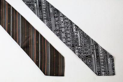 CHRISTIAN LACROIX, LOUIS VUITTON  Lot de deux cravates, l'une noire et blanche au...