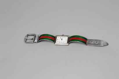 GUCCI  Montre bracelet, boîtier rectangulaire...