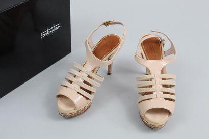 SEBASTIAN MILANO    Paire de sandales à talon...
