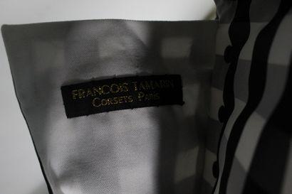 FRANCOIS TAMARIN  Robe du soir en taffetas imprimé Vichy noir et blanc .  Grande...