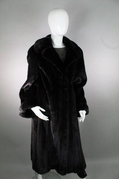 REBECCA Manteau grand soir en vison noir...
