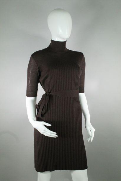 CELINE    Robe pull col roulé en laine et...