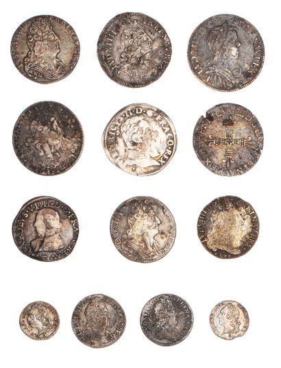 Lot de 13 monnaies royales en argent du 16e...