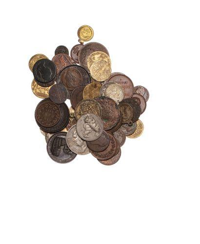 Lot de 50 monnaies, jetons et médailles principalement...