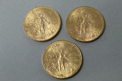 Trois pièces en or de 50 pesos  TTB.  Poids...
