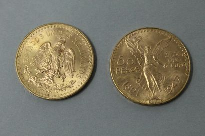 Deux pièces en or de 50 pesos  TTB.  Poids...