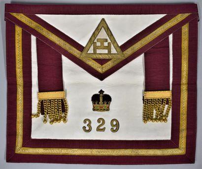 Tablier de l'arche royale.  Chapitre n°329....