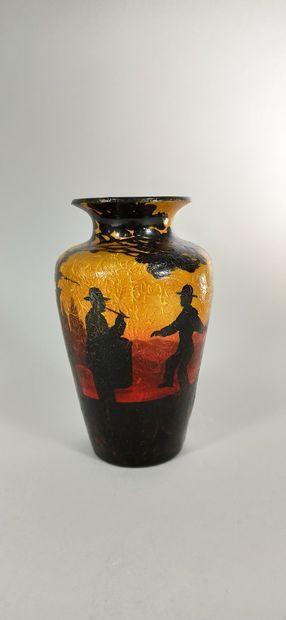 BAREL Jean (XXe siècle)  Vase à décor de...
