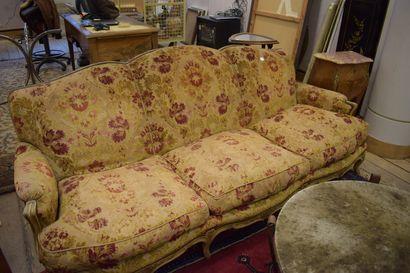 Canapé 3 places et deux chauffeuses style...
