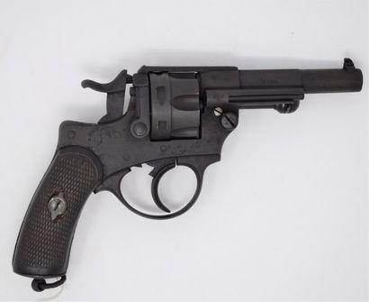 Revolver règlementaire Modèle 1874.  Fabrication...