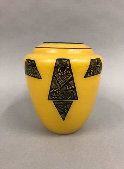 LEGRAS (Dans le goût de)  Vase ovoïde en...