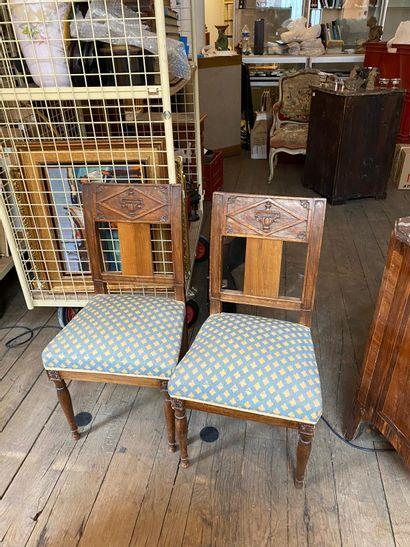 Deux chaises de style Directoire.