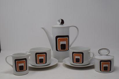 Service à thé en porcelaine à décor stylisé,...