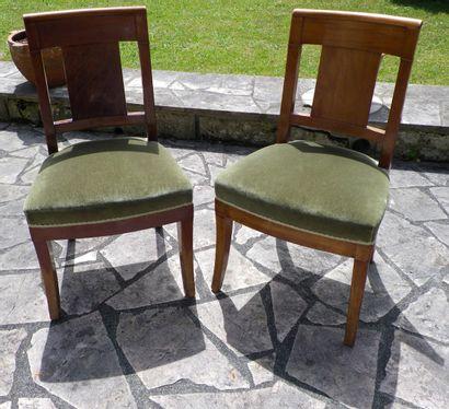 Suite de dix chaises en acajou et placage...