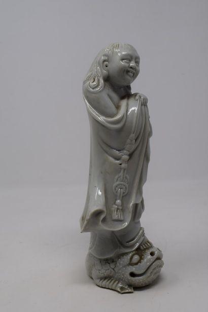 CHINE - Début XXème siècle  Statuette blanc...
