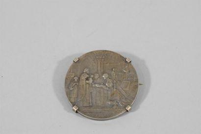 Médaille de mariage en argent, l'avers marqué...
