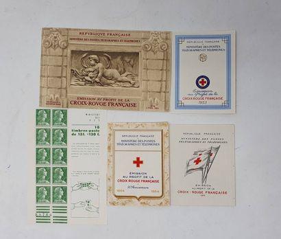 Lot de carnets Croix Rouge 1952-1956. Luxe. Cote 1400 €.