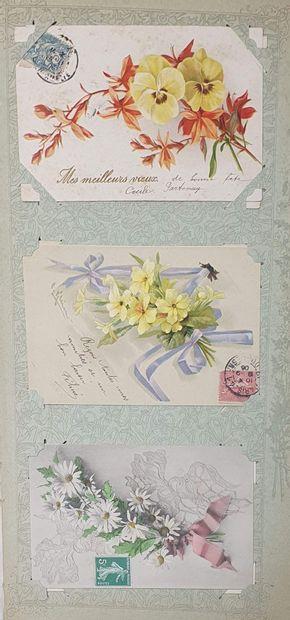 Un album de cartes postales (fantaisie + régionales) + deux petits classeurs de...