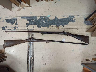 Lot:  1/ Carabine à percussion  2/ Carabine...