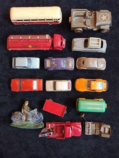 DTF - CIJ - POLICHINELLE : Ensemble de véhicules...