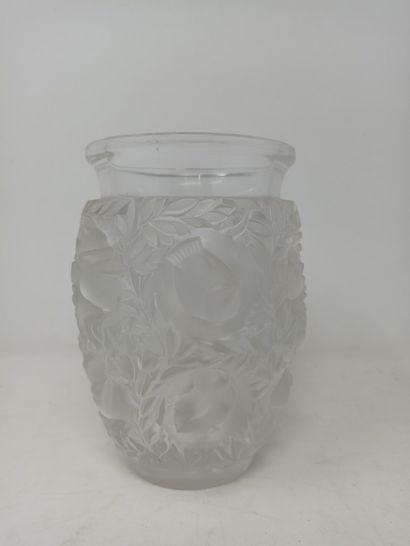 LALIQUE France  Vase modèle Bagatelle (créé...