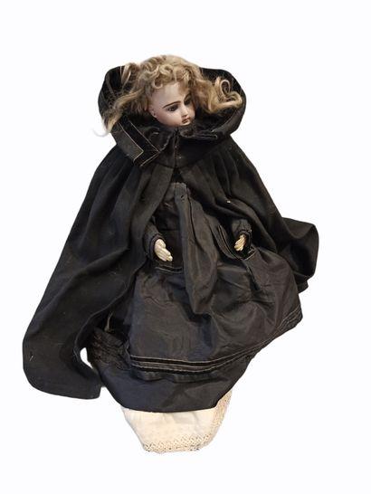 Poupée de mode de type parisienne fabrication...
