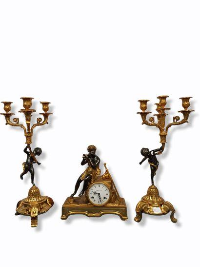 Garniture de cheminée dans le style du XVIIIeme...