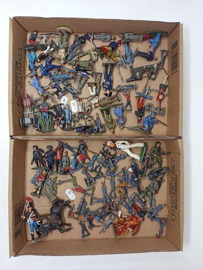 Lot important de figurines anciennes, dont...