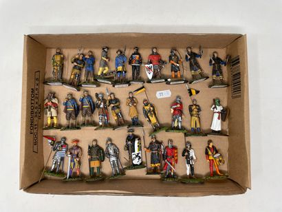 Divers modernes en plomb : Figurines du 9ème...