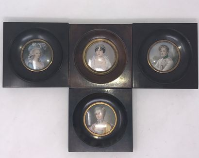 Quatre miniatures de style figurant Madame...