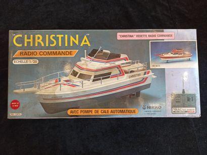 CHRISTINA - NIKKO : Vedette radiocommandée...