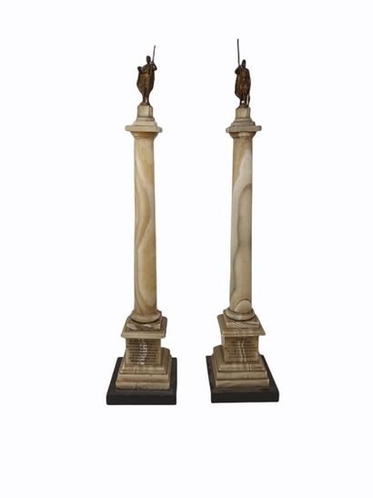 Deux colonnes de style toscan en onyx où...