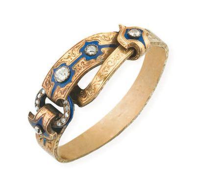 Bracelet en or jaune stylisé d'une boucle...