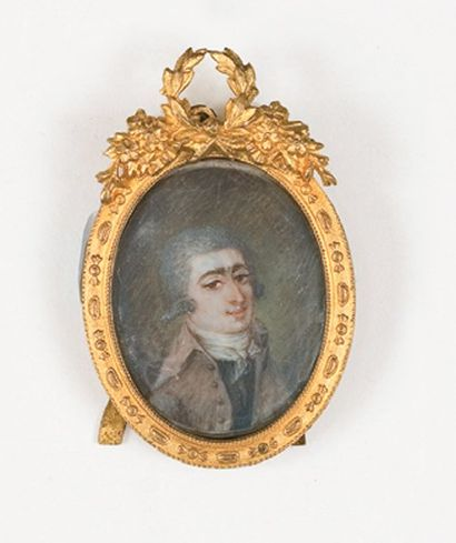 Portrait d'homme en buste en habit marron et portant une perruque poudrée. Miniature...