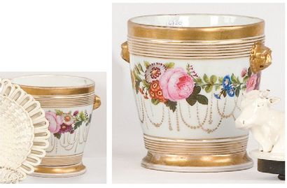 PARIS Deux caches pots, vers 1820. Forme...