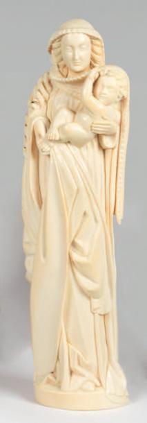 Curieuse Vierge à l'Enfant en ivoire sculpté...